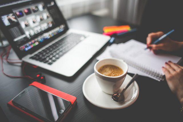 Staples Workplace Survey 2017